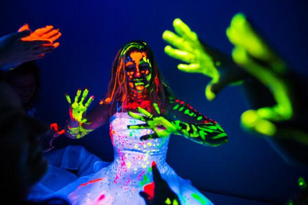 Thrash The Dress Bryllups Dans UV - WhiteWeddingDJ