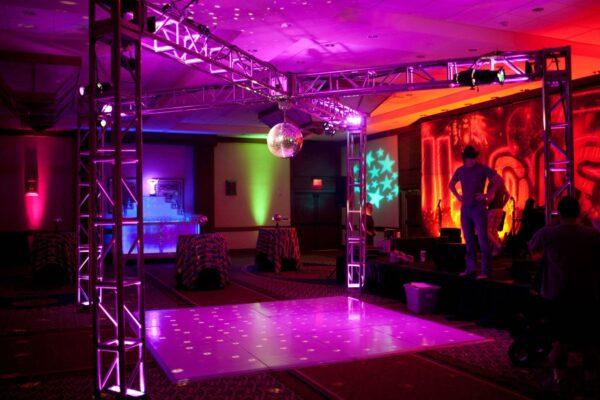 Dansegulv Lille Firmafest - WhiteWeddingDJ.jpg
